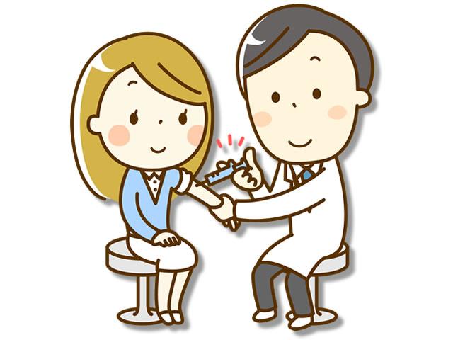 予防接種をうける女性
