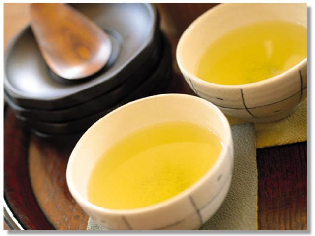 お風呂の入浴剤としても効果的な緑茶