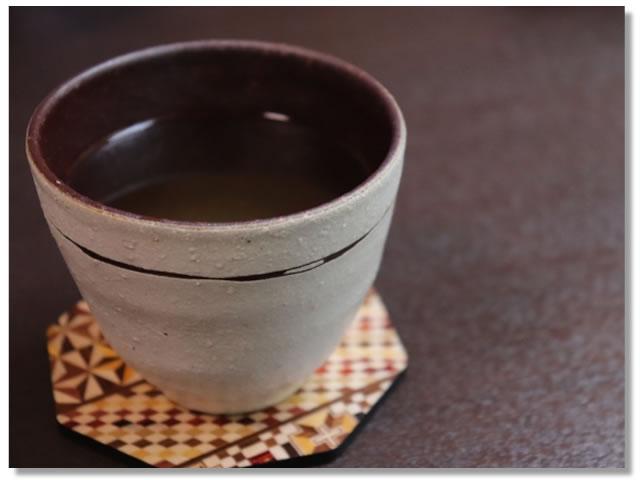 副交感神経を優位にする白湯