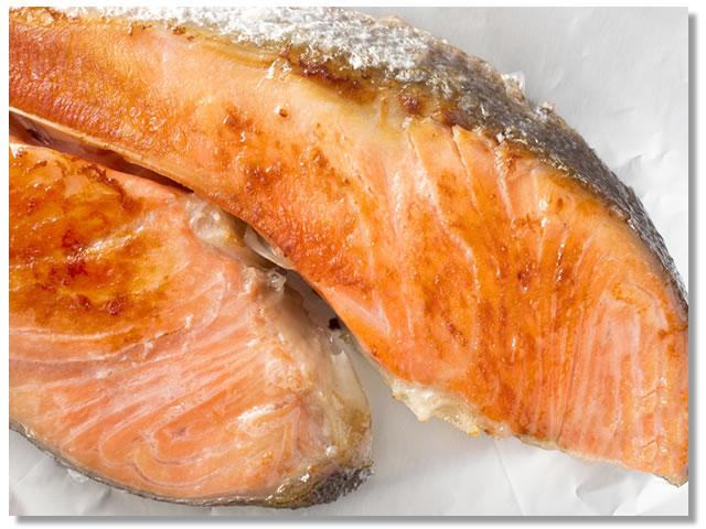 白鮭(しろさけ)の塩焼き